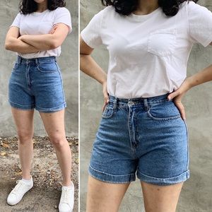 AEO Vintage 90s High Rise Mom Jean Shorts